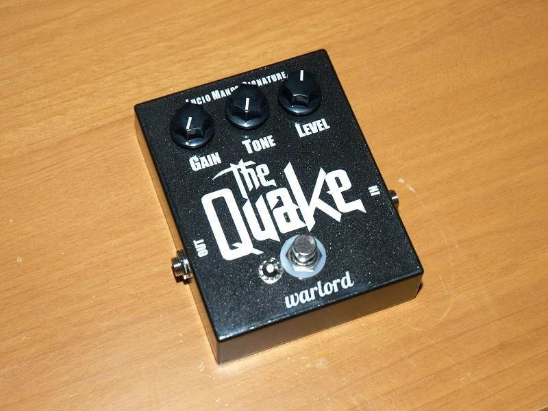 distortion-pedal-bass-quake-lucio-manca